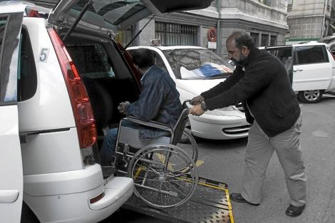 hombres discapacitados desnudos velludos